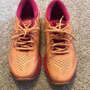 ASICS GEL-Kayano 25 Sneaker Mojave/White Size 8